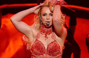 Britney-Spears-Billboard-Awards-Performance-Pictures-2016 (4)