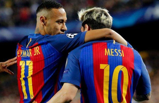 Barcelona's Argentinian forward Lionel Messi (R) celebrates a goal with Barcelona's Brazilian forward Neymar during the UEFA Champions League football match FC Barcelona vs Manchester City at the Camp Nou stadium in Barcelona on October 19, 2016. / AFP PHOTO / PAU BARRENA